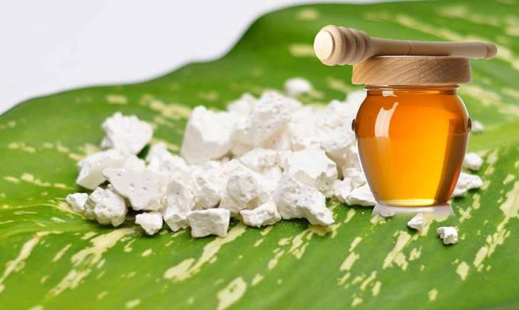 Công dụng của mật ong nguyên chất giải khát với bột sắn dây ngày hè