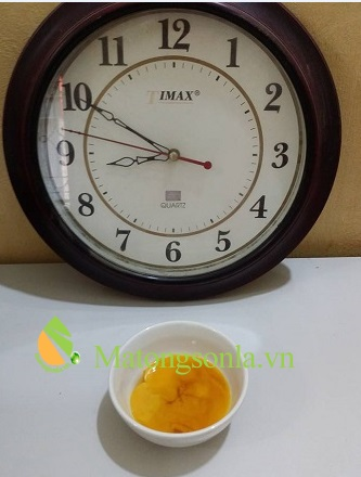 Thử mật ong bằng trứng gà