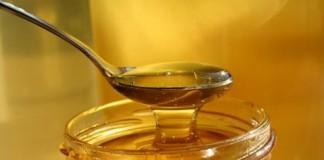 chữa trị tóc khô xơ bằng mật ong