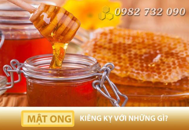 Những thực phẩm cần kiêng kỵ khi sử dụng mật ong