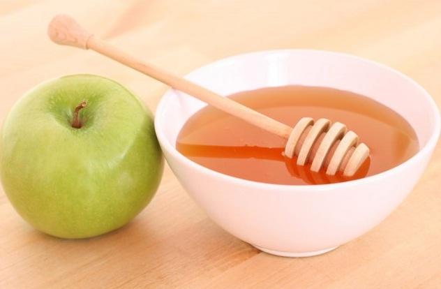http://matongsonla.vn - Tao và mật ong tẩy tế bào chết làm mềm mịn da