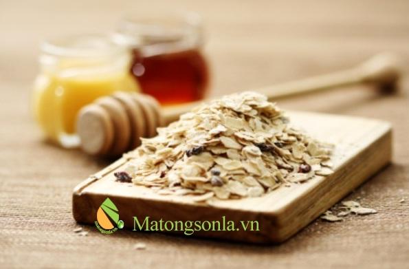 https://matongsonla.vn - Chăm sóc da với mật ong và bột yến mạch